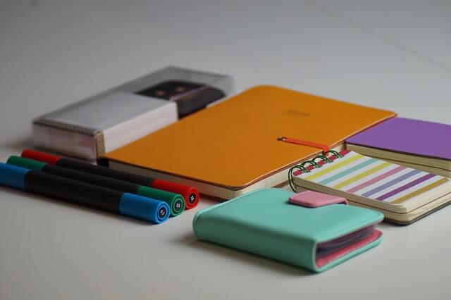 notebook-1014633_640