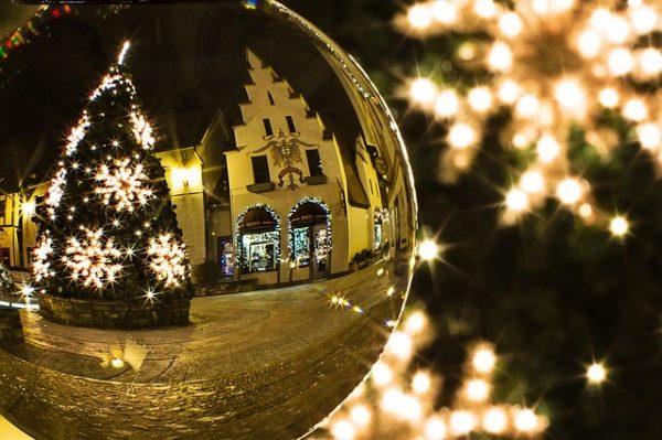 christmas-tree-573198_640-1